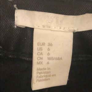 H&M Jeans - H&M high waisted ankle crops black size 6